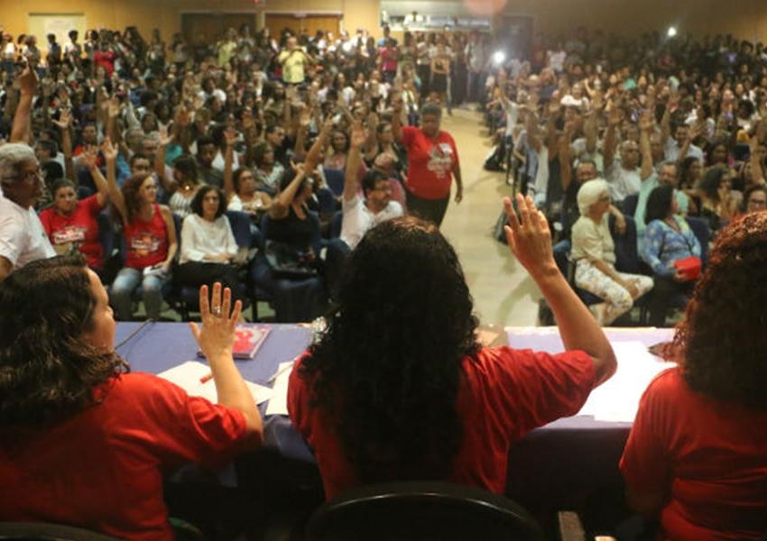 Uneb: professores decretam greve por tempo indeterminado