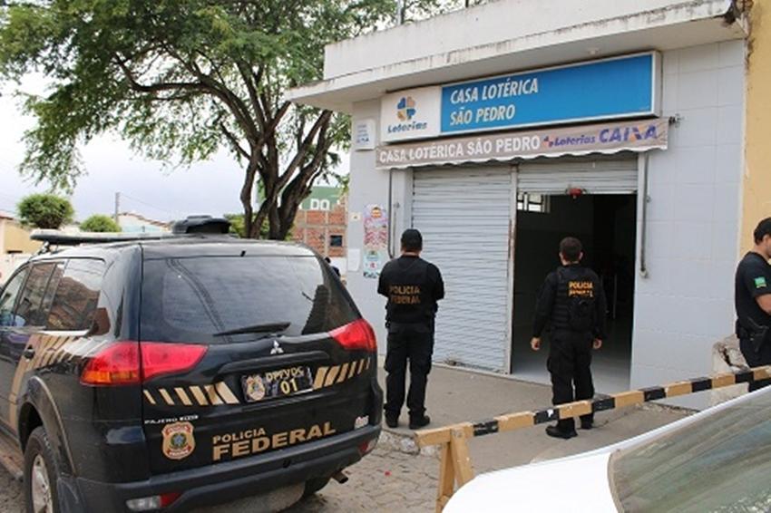 Aracatu: PF apreende arma com secretário e R$ 50 mil em espécie em operação