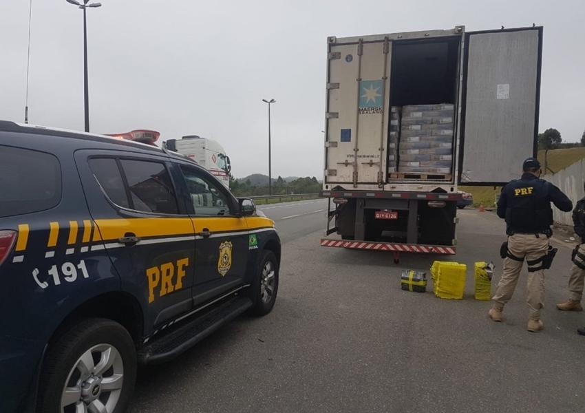 PRF encontra carga de maconha após achar erro de português em documentação