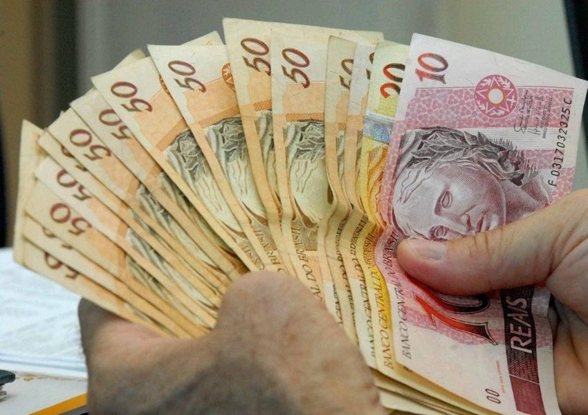 Governo propõe R$ 1.088 de salário mínimo em 2021 sem aumento real