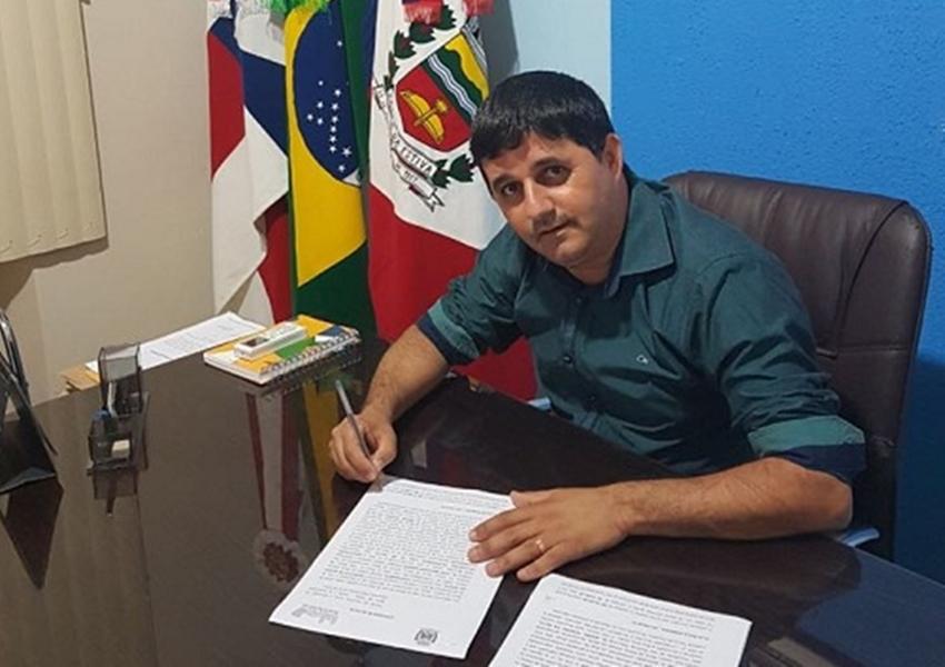 Prefeito de Barra da Estiva é punido por irregularidades em licitação