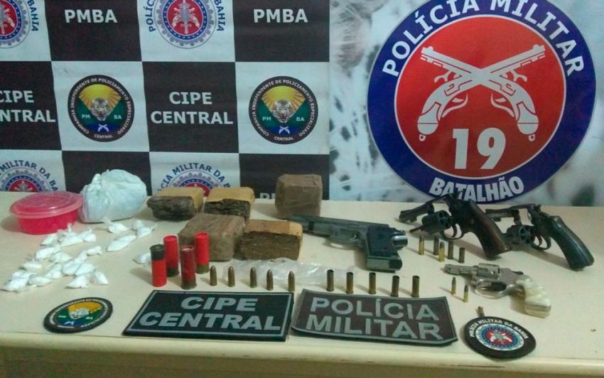 Três suspeitos morrem em troca de tiros com PMs após abordagem em local usado para embalar drogas em Jaguaquara