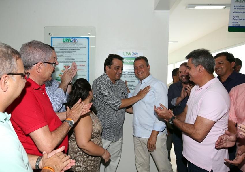 Macaúbas: Rui entrega unidades de saúde e autoriza convênios para agricultura familiar