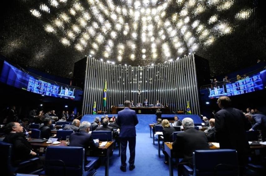 Senado Federal aprova cláusula de barreira a partir de 2018 e fim de coligação para 2020
