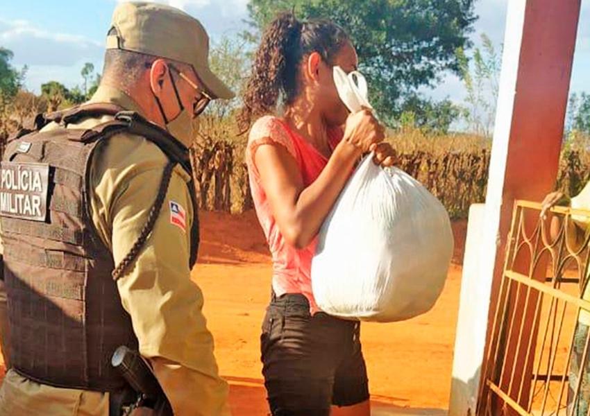Conquista e Macaúbas recebem mais de 300 cestas básicas distribuídas pela PM
