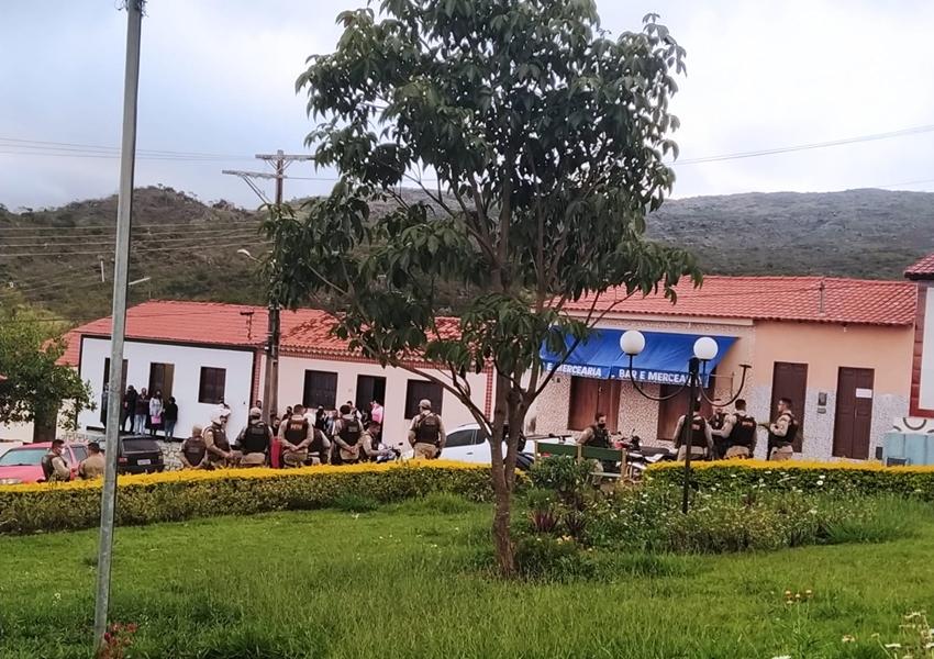 Rio de Contas: Dono de bar e clientes são detidos por lesões corporais, resistência, desacato, descumprimento do decreto e invasão a domicílio