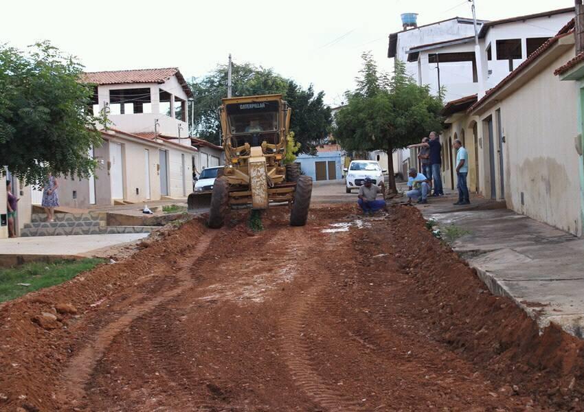 Prefeitura de Livramento incia obras de pavimentação na rua Zé Puca