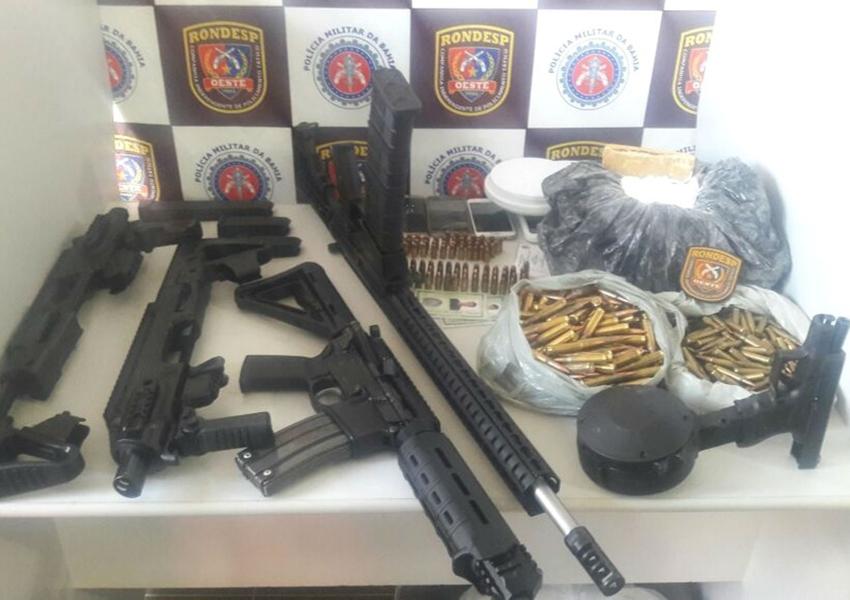BARREIRAS: Fuzis, pistola e munições de uso exclusivo das forças militares são achados enterrados em quintal de casa