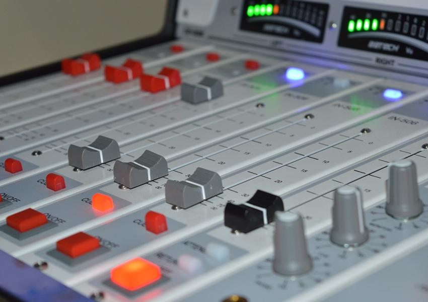 TJ proíbe rádio comunitária de veicular propaganda comercial