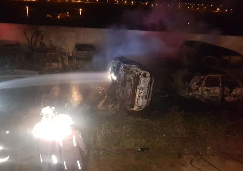 Incêndio atinge sucatas de veículos em complexo policial em Conquista
