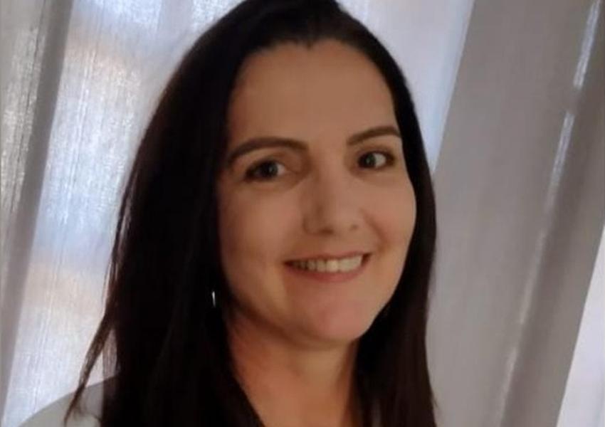 Mulher perde a vida após ser atacada por 6 pitbulls enquanto visitava namorado em chácara
