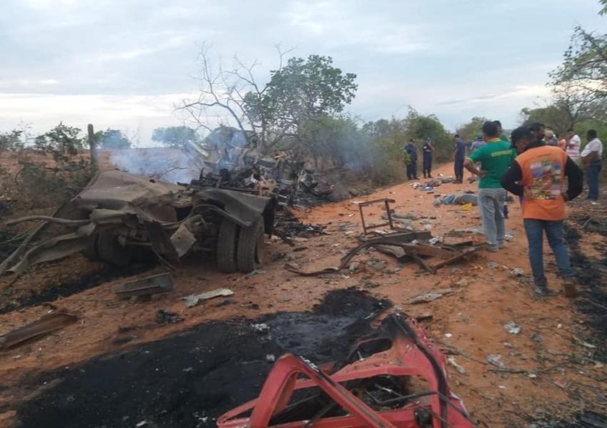 Três pessoas morrem após caminhão explodir no oeste da Bahia