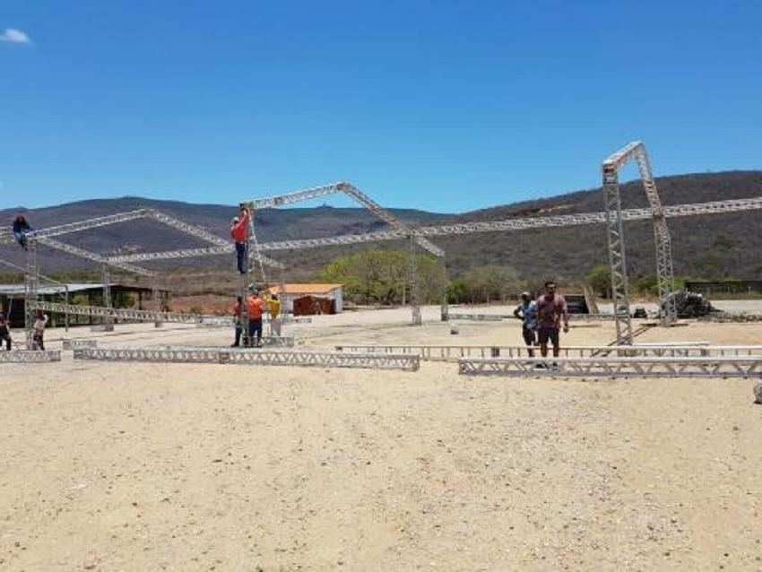 Brumado: Mega Estrutura da Arena Safadão começou a ser montada