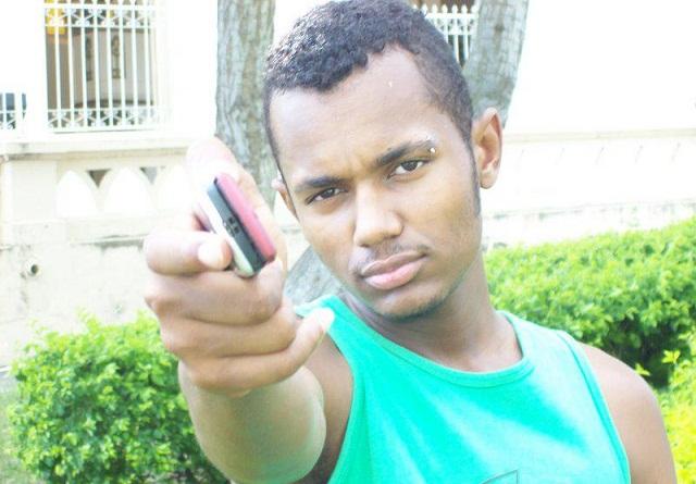 Jequié: Criminosos de carro disparam vários tiros e matam mototaxista