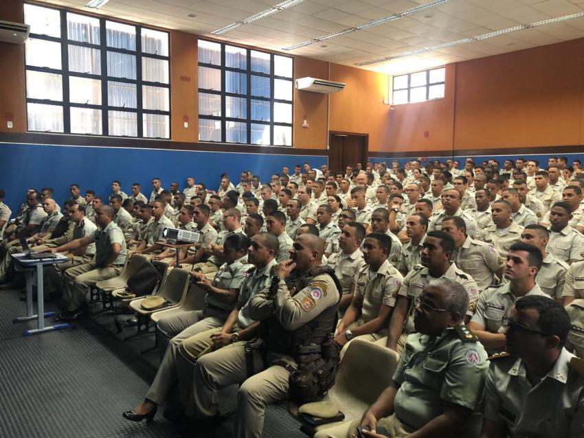 Seabra e região recebem novos soldados para reforçar o policiamento