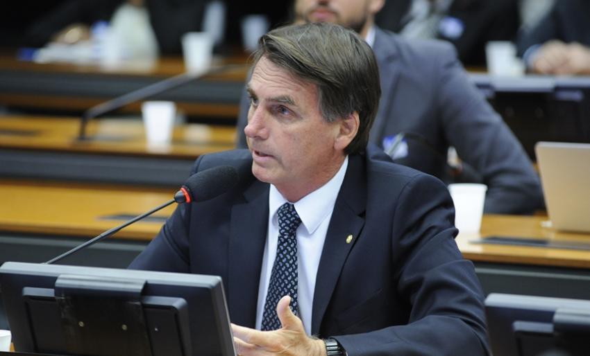 Jair Bolsonaro é denunciado pela PGR por racismo