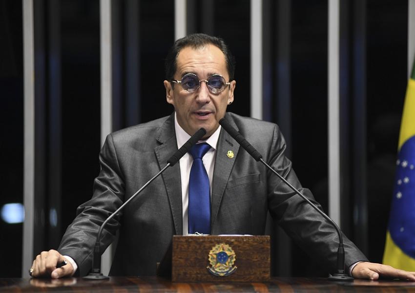 Senador Jorge Kajuru tem alta médica e já está em Brasília
