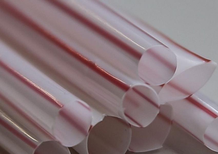 Estado de SP proíbe fornecimento de canudo de plástico