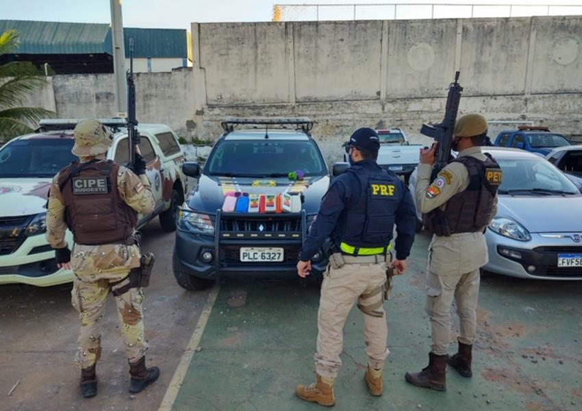 Dois homens são presos ao transportar 10 kg de pasta base de cocaína em comboio na BR-030