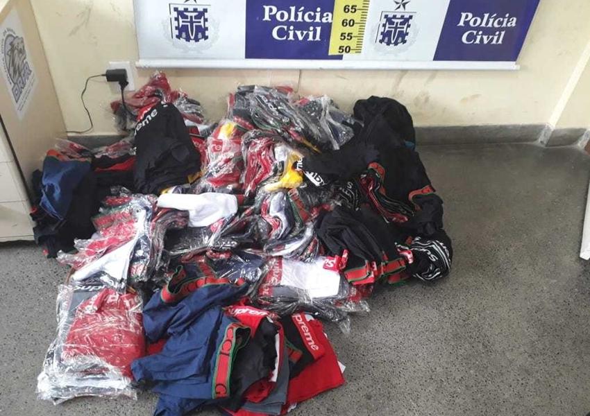 Homem é preso com R$ 11 mil, droga, arma e mais de 500 cuecas falsas dentro de casa