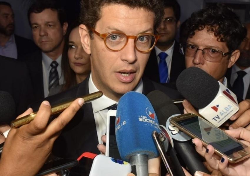 Ministro do Meio Ambiente é vaiado em evento sobre clima em Salvador