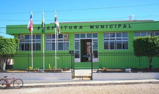 Prefeitura de Jussiape firma contratos de altos valores com empresas e assusta moradores