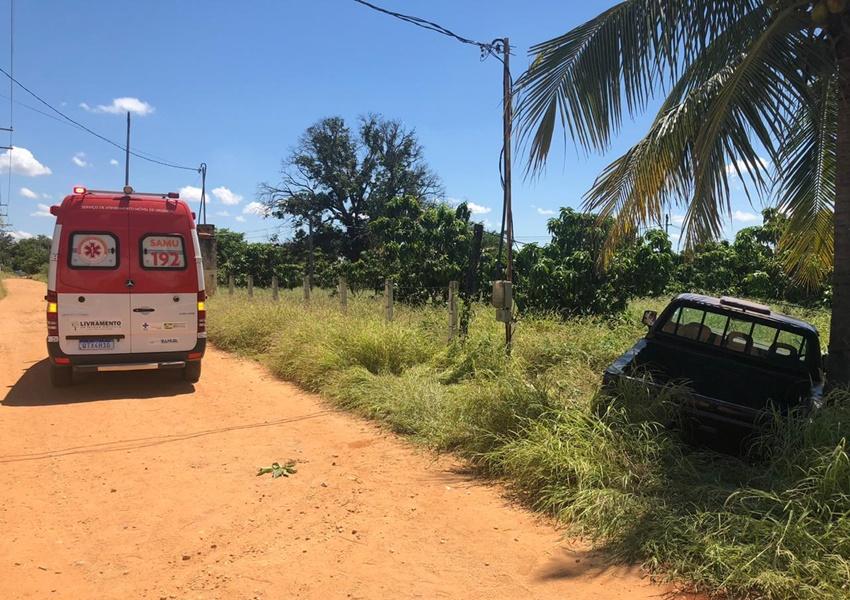 Livramento: Caminhonete perde freio e atinge motocicleta próximo ao Bairro Beira Rio