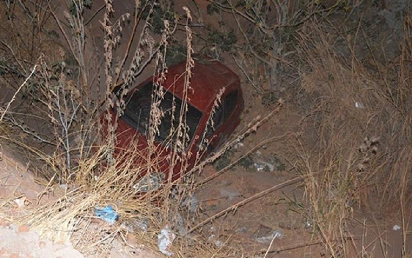 Carro cai em canal após acidente e duas mulheres ficam feridas no oeste da Bahia