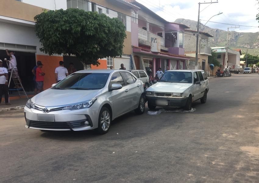 Livramento: Motorista com sinais de embriaguez provoca acidente na Avenida Presidente Vargas