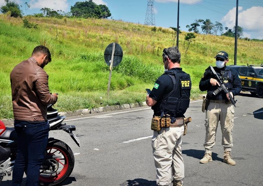 PRF registra 51 acidentes e 9 mortes em rodovias federais que cortam a Bahia no feriadão de Nossa Senhora Aparecida