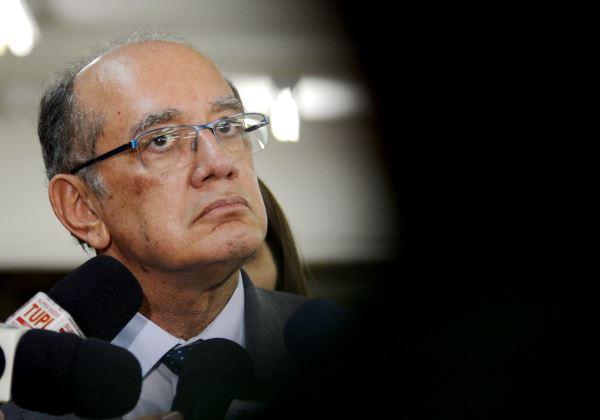 Advogado protocola pedido de impeachment de Gilmar Mendes