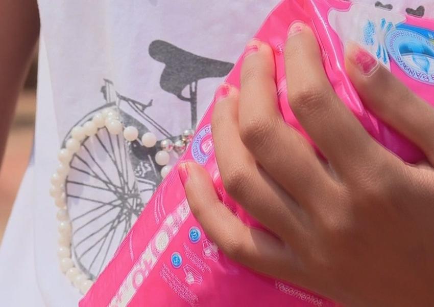Governador da Bahia anuncia distribuição de absorventes para estudantes da rede estadual