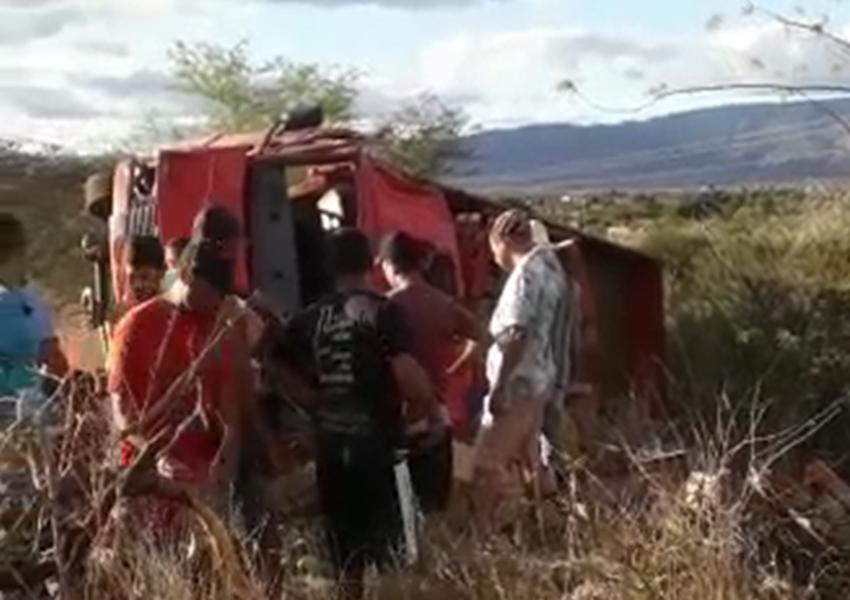 Dom Basílio: Jovem morre após caminhão tombar na BA-148