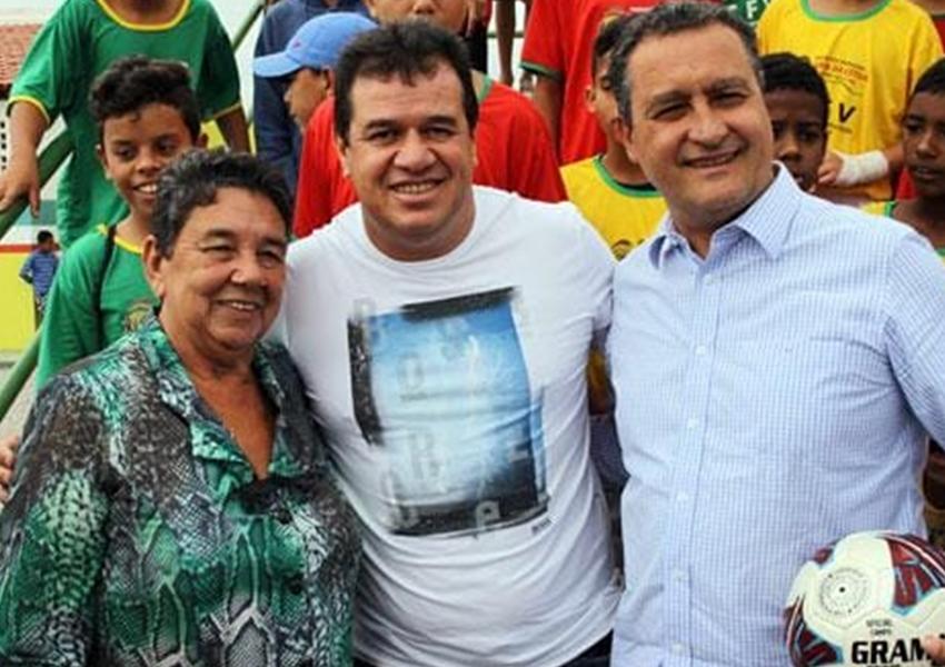 Marquinho Viana e a ex-prefeita de Barra da Estiva participaram com o governador Rui Costa, da assinatura da Licitação da 2ª Fase do PREMAR 2