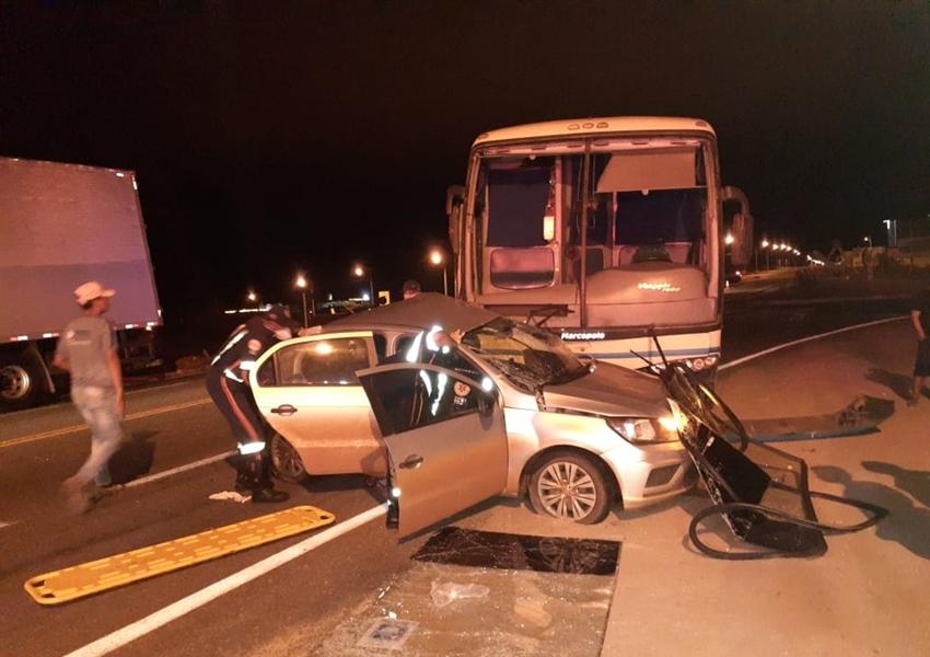 Brumado: Batida entre ônibus e carro deixa homens feridos na BA-262