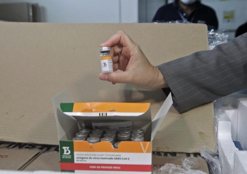 Bahia recebe mais 396 mil doses de vacinas, entre Sinovac e Astrazeneca