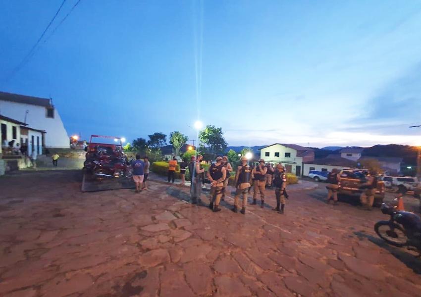 Operação da PM apreende veículos em Rio de Contas