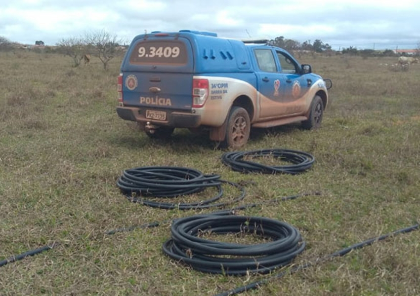 Ibicoara: Polícia Militar recupera 60 metros de fio de telefonia no distrito de Cascavel