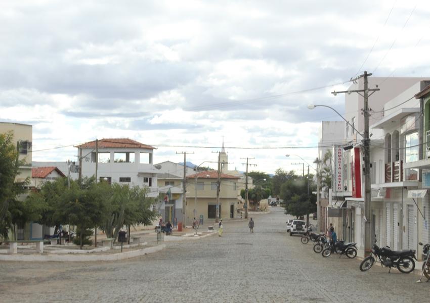 Dom Basílio: Brumadenses são presas acusadas de furtar roupas em loja