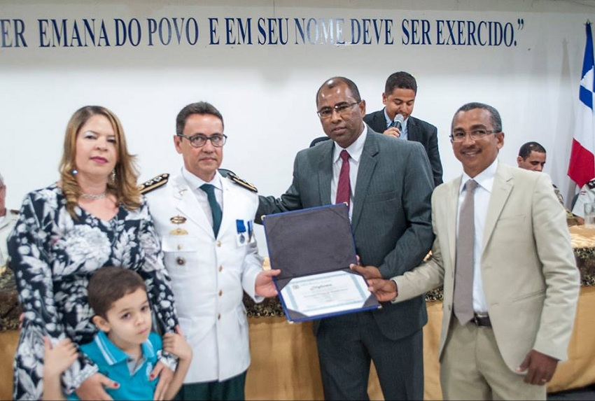 Major Raimundo Nonato recebe titulo de cidadão honorário de Jequié