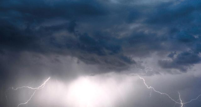 Chuva de granizo e rajadas de ventos causam prejuízos