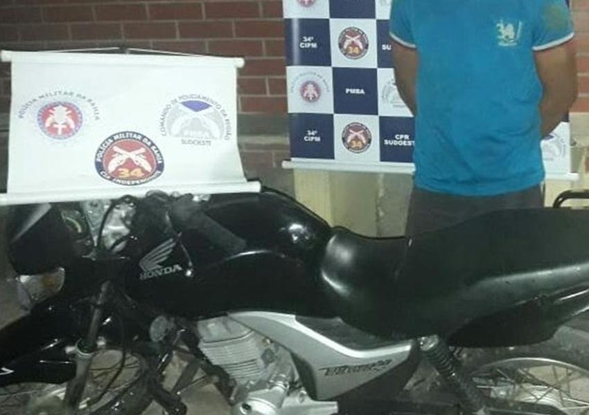 Brumado: Polícia Militar prende homem em flagrante por furto de uma moto