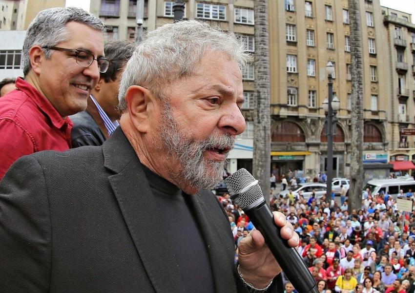 Ministro do STF decide levar ao plenário pedido de liberdade de Lula