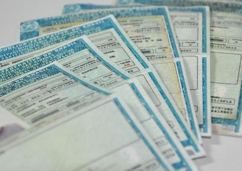 Mais de 27 mil motoristas baianos têm direito de dirigir suspenso