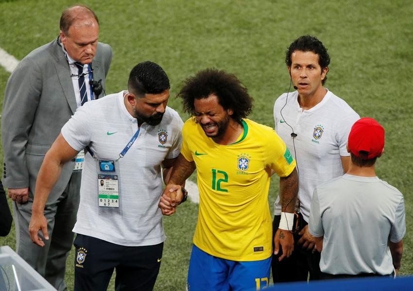 Lateral Marcelo é poupado do treino para se recuperar a tempo do jogo contra o México