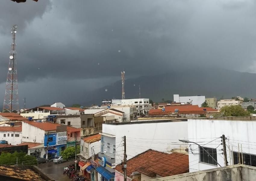 Previsão do tempo indica chuvas na região nos próximos dias