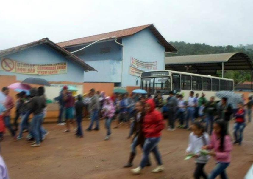 Jovem invade escola em Minas Gerais e atira em alunos