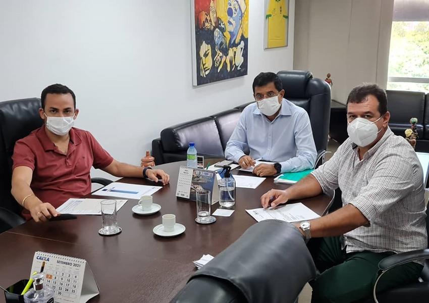 Deputado Marquinho Viana agiliza investimentos para os esportes e sistema de água em Ituaçu