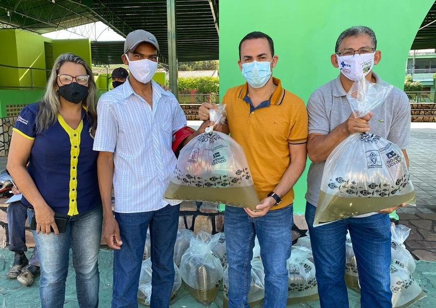 Piscicultores de Ituaçu recebem 30 mil alevinos de tambaqui