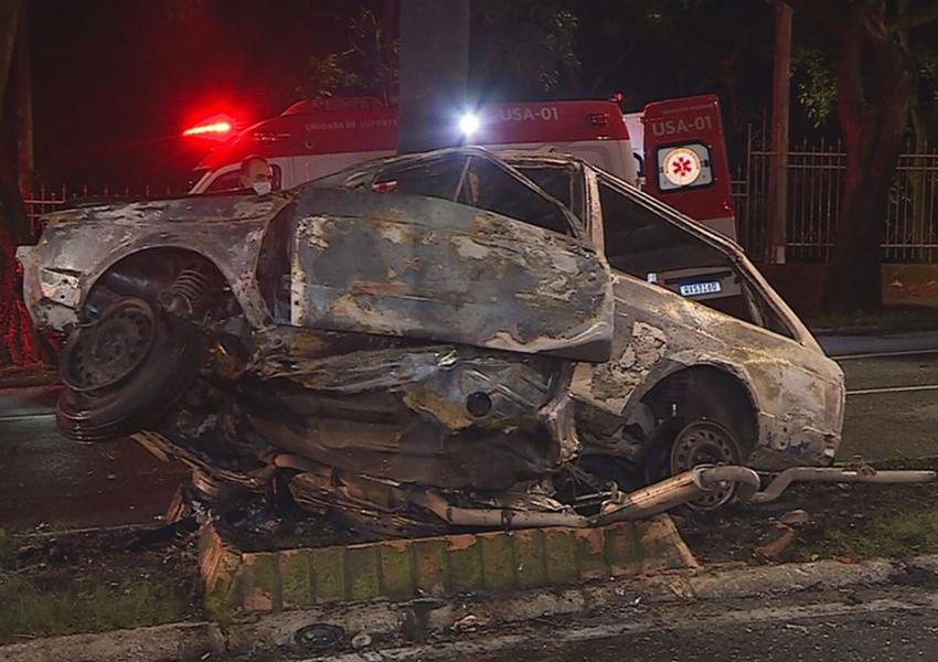 Avô e neta morrem carbonizados após motorista embriagado atingir carro da família em BH